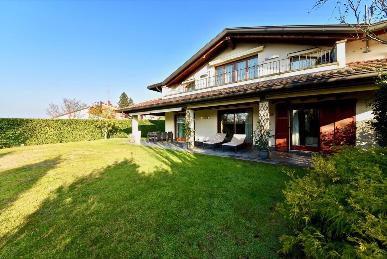 Moderna villa semi indipendente zona Fagiana vicino al Castello e al Golf di Carimate