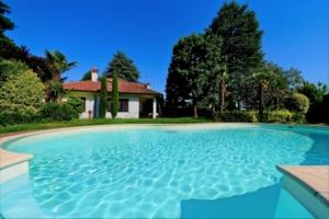 Villa singola zona del Cavalluccio con vista panoramica e giardino con piscina